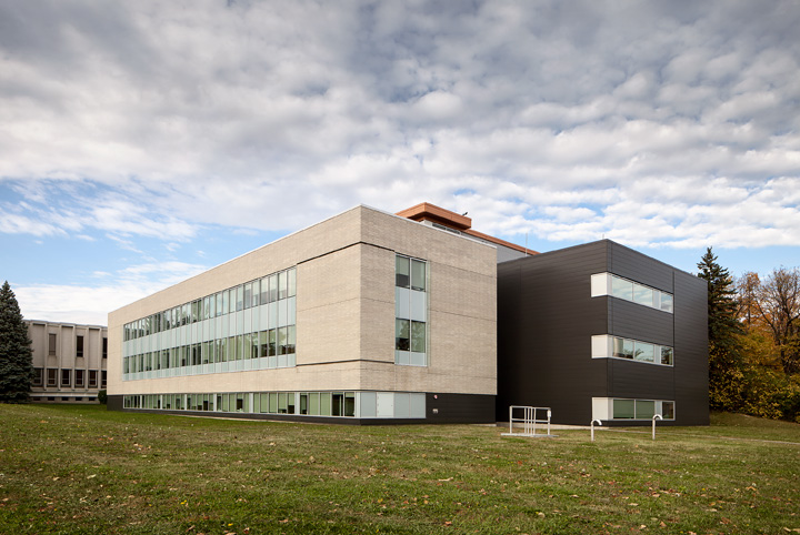 INRS - Centre Armand-Frappier Santé Biotechnologie